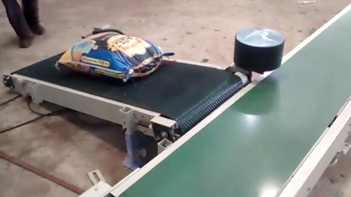 袋装物料输送带行业视频