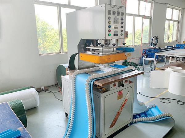 艾帝斯-生产机器